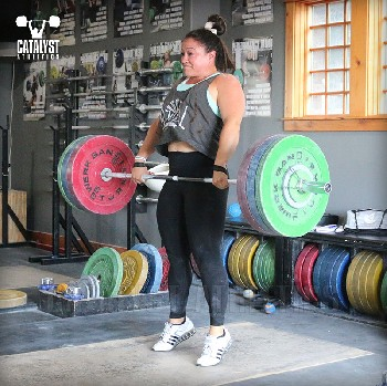 Laura clean pull - Olympic Weightlifting, strength, conditioning, fitness, nutrition - Catalyst Athletics